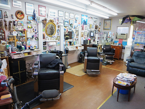 photo of the inside of Smitty's Barbershop